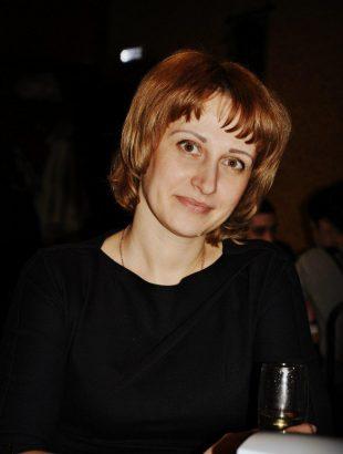 менеджер Завол р Ирина